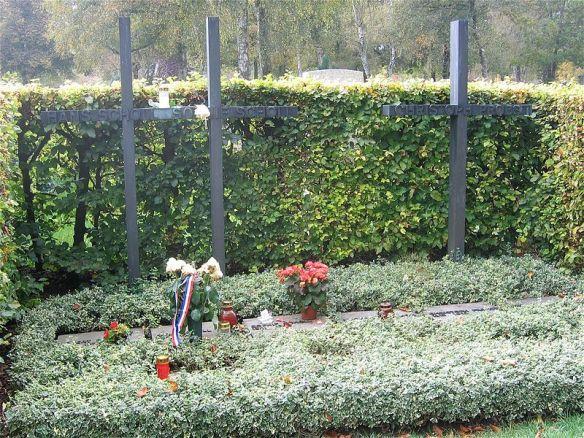 Grab von Sophie und Hans Scholl und Christoph Probst, Weiße Rose, Friedhof am Perlacher Forst in München